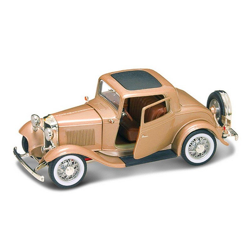 Yatming 92248. 1/18 Coche Ford 3 Window Coupé 1932 Oro