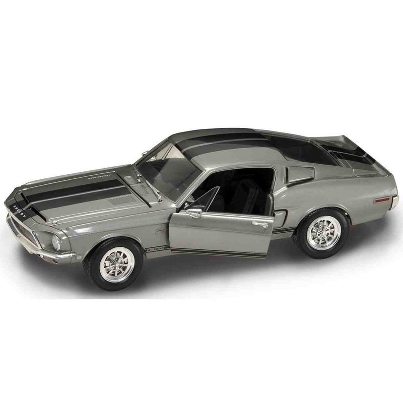 Yatming 92168. 1/18 Coche Shelby GT500 KR 1968 Plata