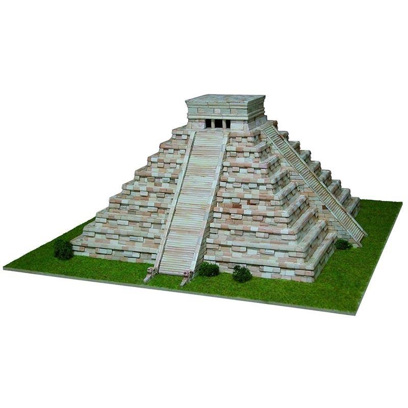 Aedes 1270. Maqueta de construccion Templo de Kukulcán, Mexico