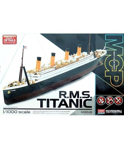 1/1000 Barco R.M.S. Titanic